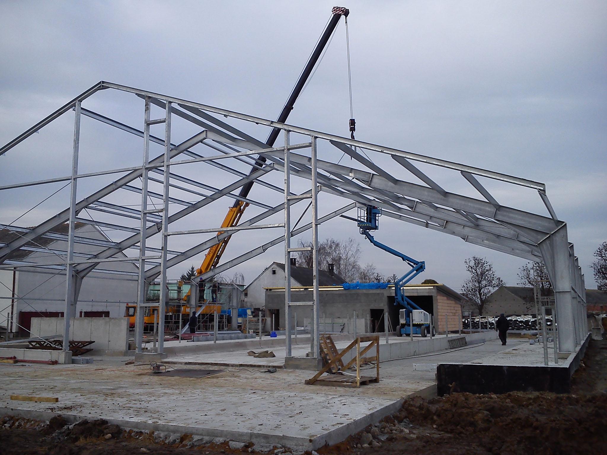 Budowa konstrukcji stalowych